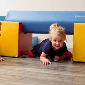 Kinderfysiotherapie | Kruipen | Bewegen | Tijgeren | Fysio Centrum Kamminga | Hengelo&Delden